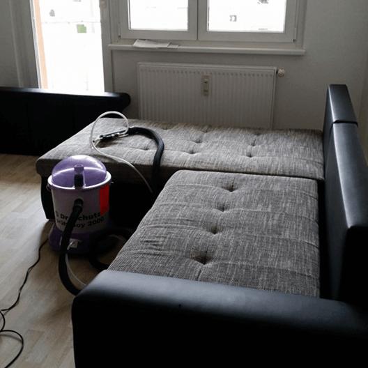 Polsterreinigung Leipzig hat auch diese Couch gereinigt.